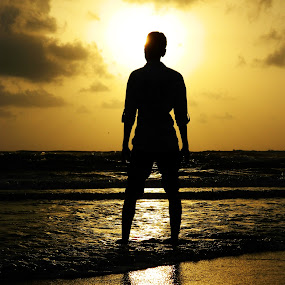 Man before Sun by Souvik Nandi - Novices Only Portraits & People ( obstruction, sunset, sea, sun, man )