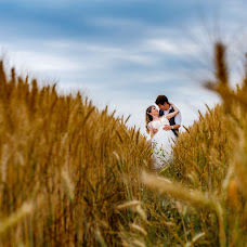 Wedding photographer Magdalena Gheonea (magdagheonea). Photo of 19.07.2018
