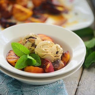 Grilled Peach with Ice cream