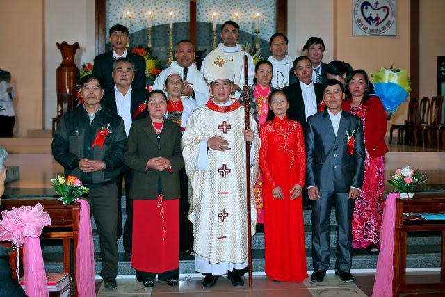 GP Phát Diệm: Gần 300 cặp vợ chồng mừng kỷ niệm thành hôn - Ảnh minh hoạ 13