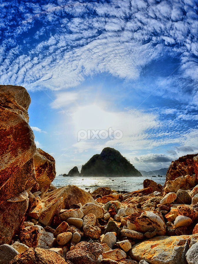 Around the rock by Hendri Suhandi - Landscapes Beaches ( clouds, beach )