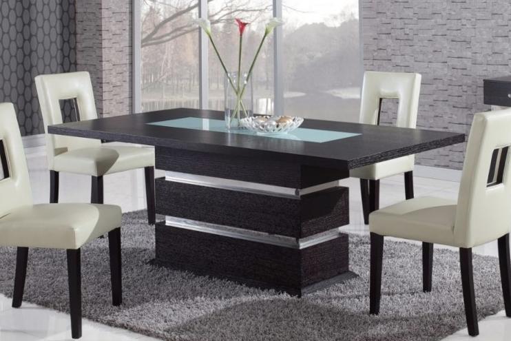 Самое интересное : Обеденный стол ‒ сердце любой кухни