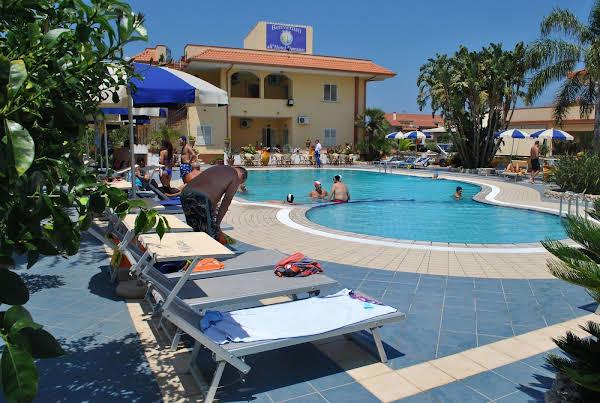 Hotel Damanse