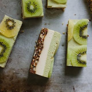 Raw Kiwifruit + Ginger 'Cheesecake'