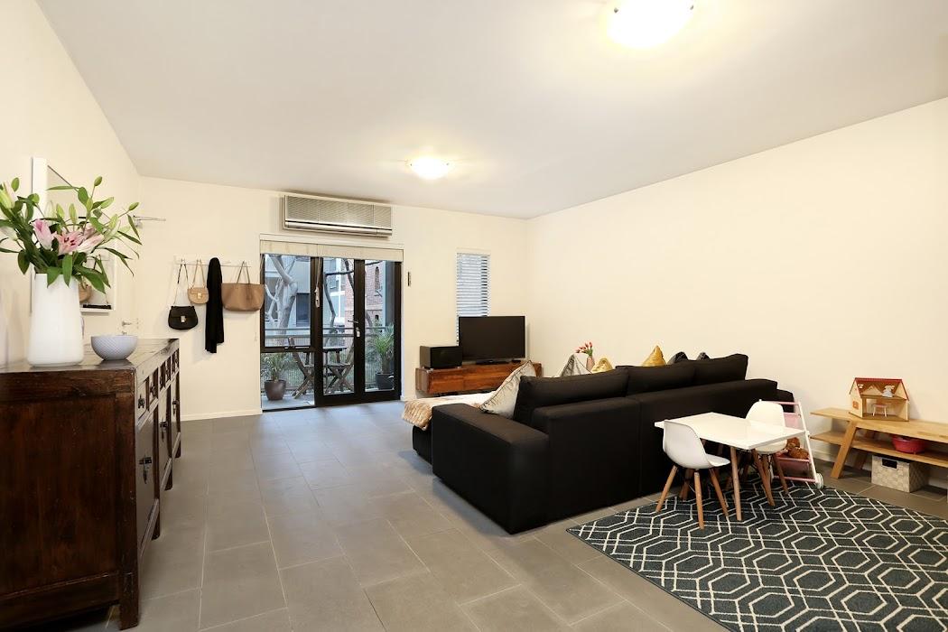 Main photo of property at 61/1 Riverside Quay, Southbank 3006