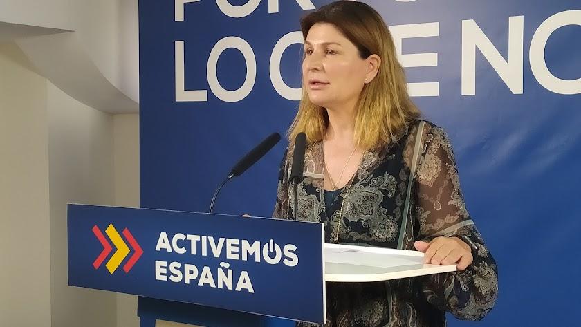 Rosalía Espinosa, ayer, en la sede del PP.
