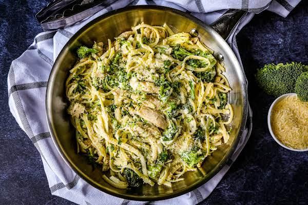 Chicken Fettuccini With Broccoli Ready To Serve.
