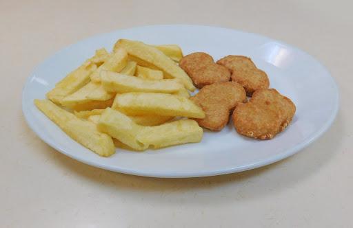 Chicken Nuggets & Chips