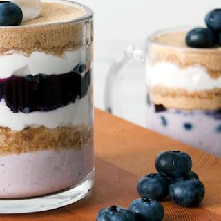 Low-Calorie Blueberry Yogurt Parfait.