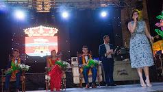 La alcaldesa de Laujar, Almudena Morales, pronunciando el Saluda de las Fiestas Patronales como muestra la imagen de Afdez. Photo.