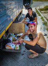 Photo: Romanian pojat Torinoon menossa. Annoin purkin savumuikkija.
