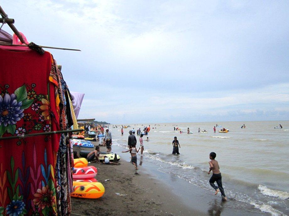 Wisata-Pantai-Tanjung-Pakis-Karawang.jpg