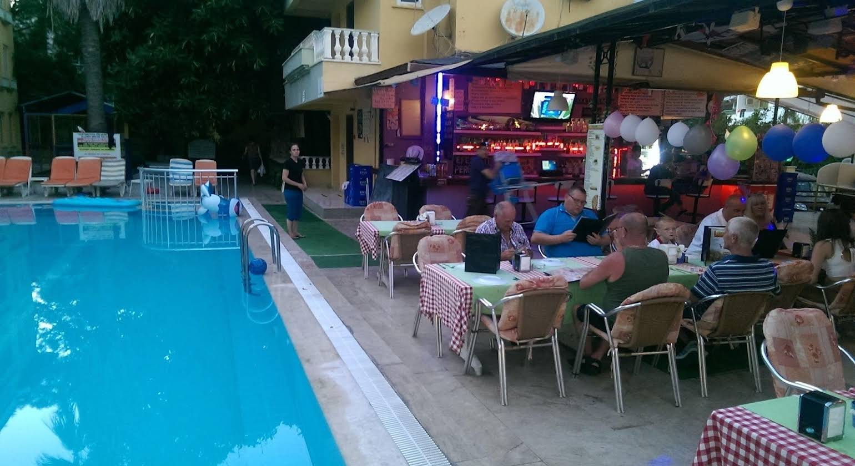 Club Sunset Apart