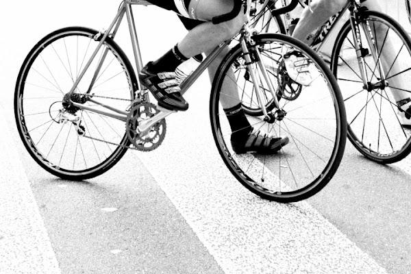 Piedi e pedali di Angimages