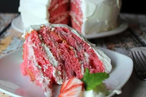 Moist Strawberry Cake
