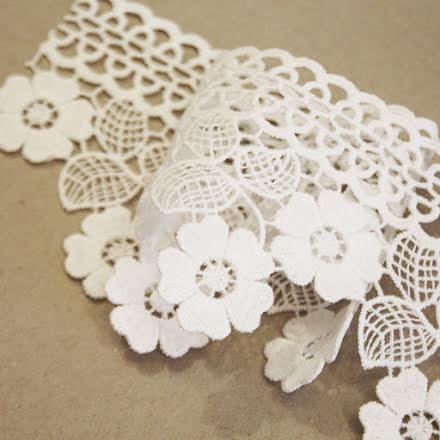Spetsband Blommor - off white