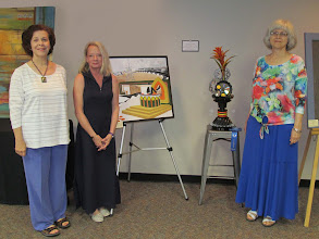 Photo: Left and Right, Terry Dushan and Elizabeth Christie, Judges; Center, Linda Neymeyer, Chariman.