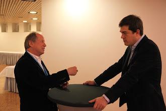 Photo: Wolfgang Waelischmiller (left), Alexander Nikoforov (right)
