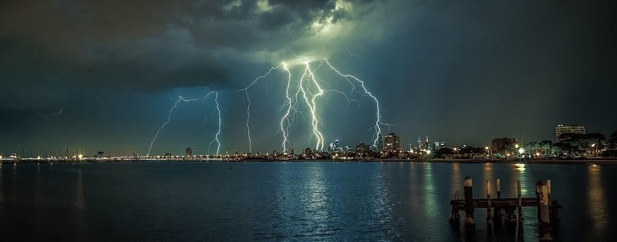 Electric Melbourne by Gavin Poh - Landscapes Weather ( lightning, melbourne, australia, weather, night, victoria, storms )