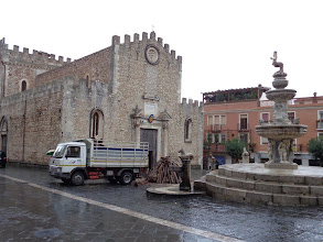 Photo: Still building the one outside Taormina's Duomo when I arrived