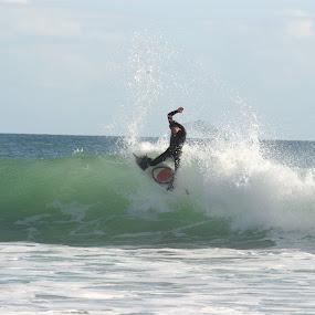 by Joe Wallace - Sports & Fitness Surfing