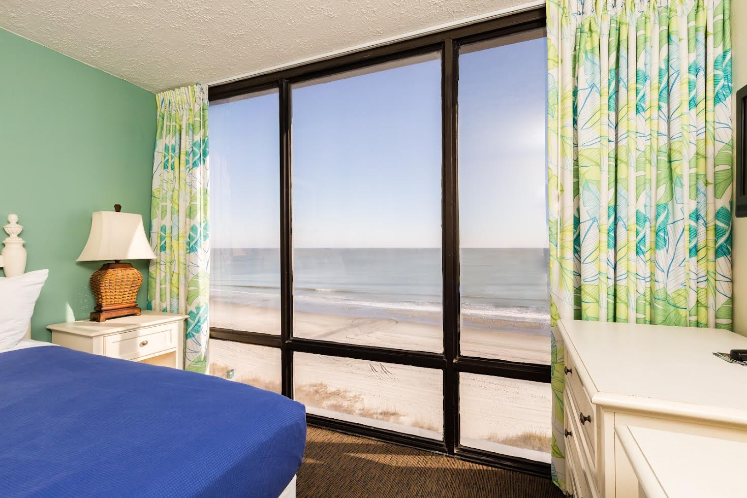 One Bedroom Oceanfront Picture Number 9