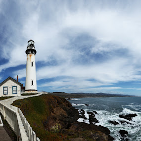 Pigeon Points Lighthouse by Surentharan Murthi - Landscapes Waterscapes ( lighthouse, sea, ocean, landscape, pigeon point )