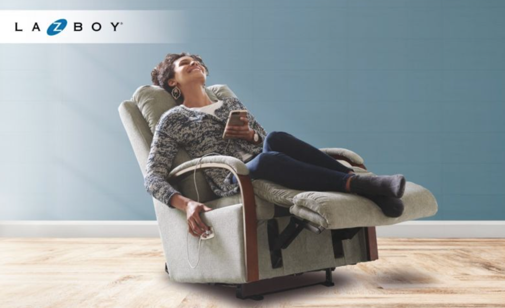 A person sitting in a chairDescription automatically generated with medium confidence