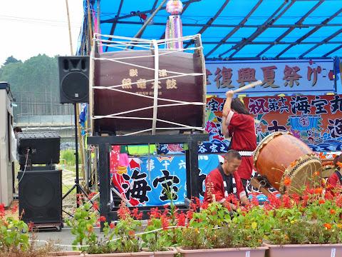 歌津魚竜太鼓さんの演奏 写真2
