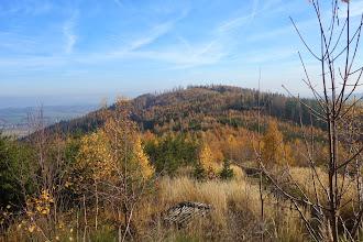 Photo: Pohled z vrcholu Oldřichov (652 m.) na Hradní vrch (650 m.)