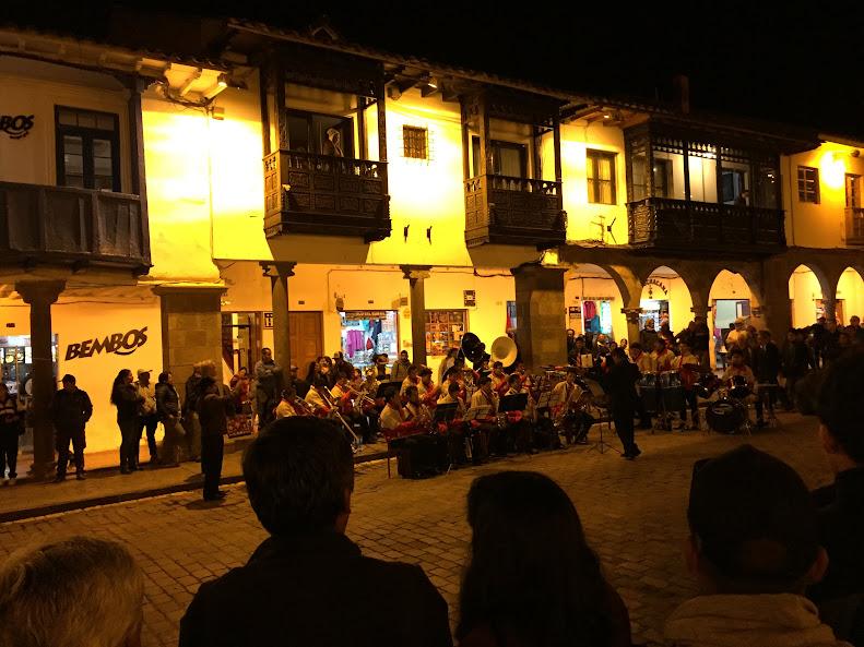 アルマス広場 夜