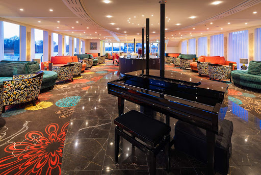 AmaKristina-lounge.jpg - The colorful lounge on the upscale river ship AmaKristina.