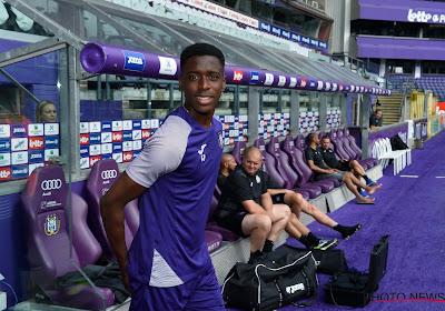 """Sambi Lokonga doit sortir de sa coquille : """"Le staff me le demande"""""""