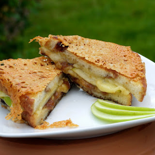And the Winner is... Irish Apple Pie Twice-Grilled Cheese {Recipe}