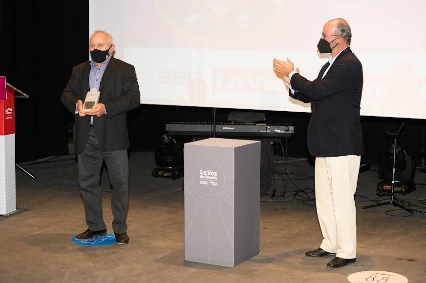 El Premio Deportes para Jesús Olivares Lao, director y profesor del único club de Kenpo federado.