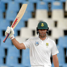 Batsmen of distinction: AB de Villiers reached his half-century shortly before close of play on Monday. Picture: LEE WARREN/GALLO IMAGES