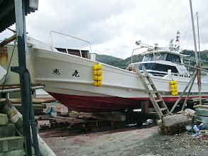 Photo: 今日は、波が高く、釣行中止なので急きょ、船を上げて大掃除を!