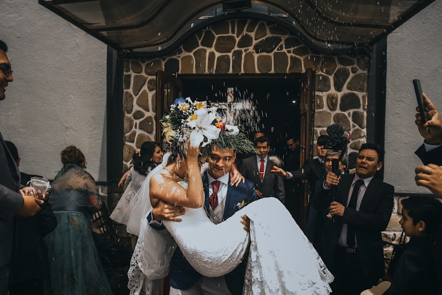 Wedding photographer Valery Garnica (focusmilebodas2). Photo of 24.09.2019