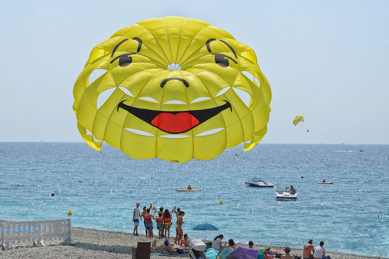 The smiling sun di GVatterioni