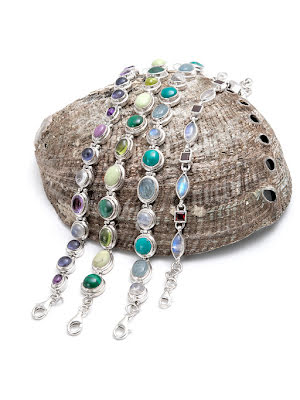 Turkos, akvamarin, larimar & regnbågsmånsten, flera armband i silver