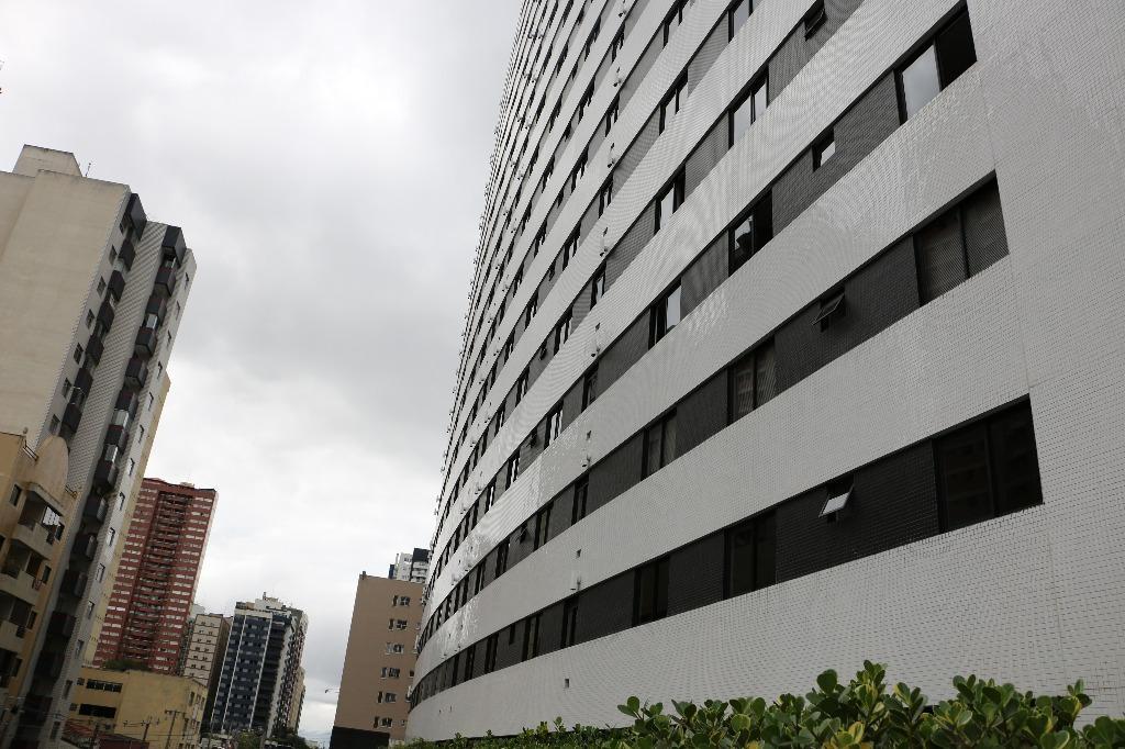 Apartamento 2 quartos, vaga, Centro, Curitiba