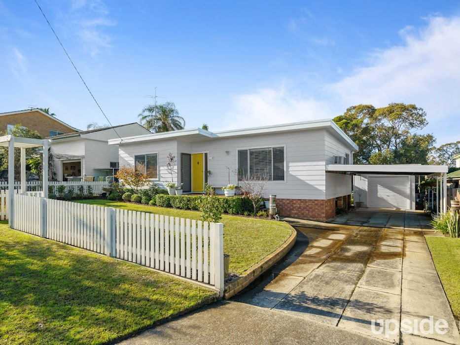 Main photo of property at 41 Balmoral Drive, Gorokan 2263