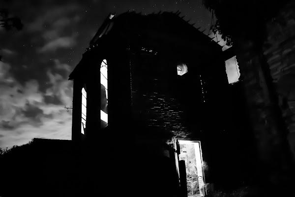 La casa dalle finestre che ridono... di MARIA ELENA CAMILLI