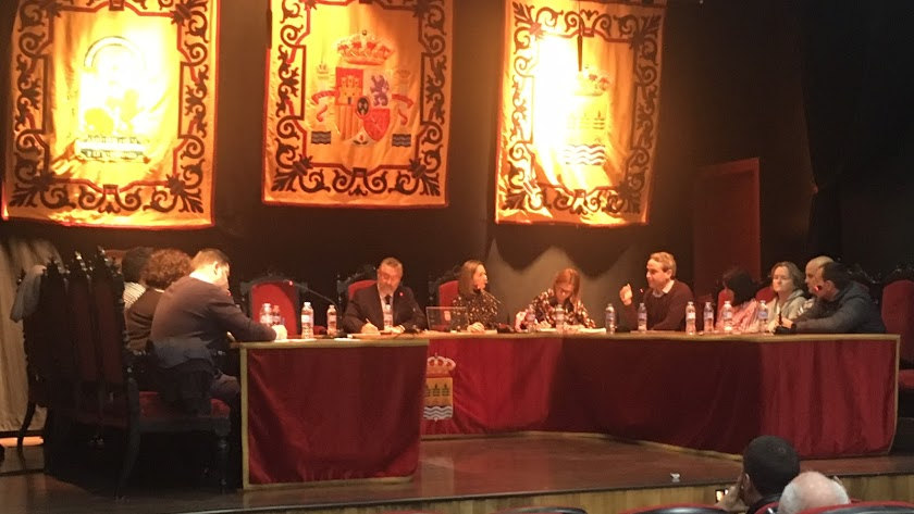 El PSOE insiste al PP que la sentencia no habla de sueldos