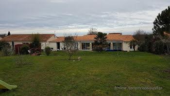 maison à Saint-Cyr (86)