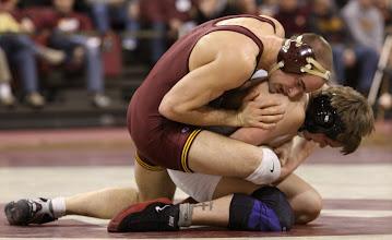 Photo: 165 Cody Yohn (Minnesota) dec. Derek Garcia (Ohio State) 5-3