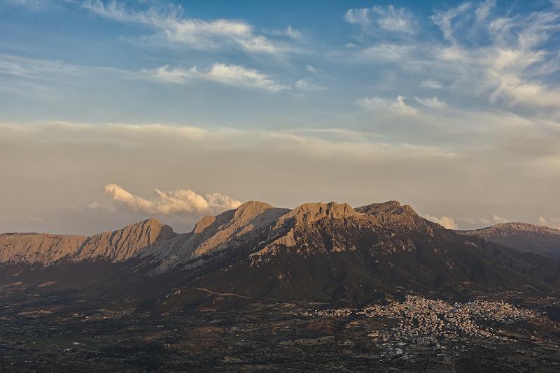 """Saluti da Oliena , """"Ai piedi del Monte più bello che Dio abbia creato"""" -  Cit : """"Salvatore Satta"""" di christiandeledda"""