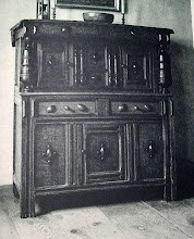 Photo: 17TH C. storage chest