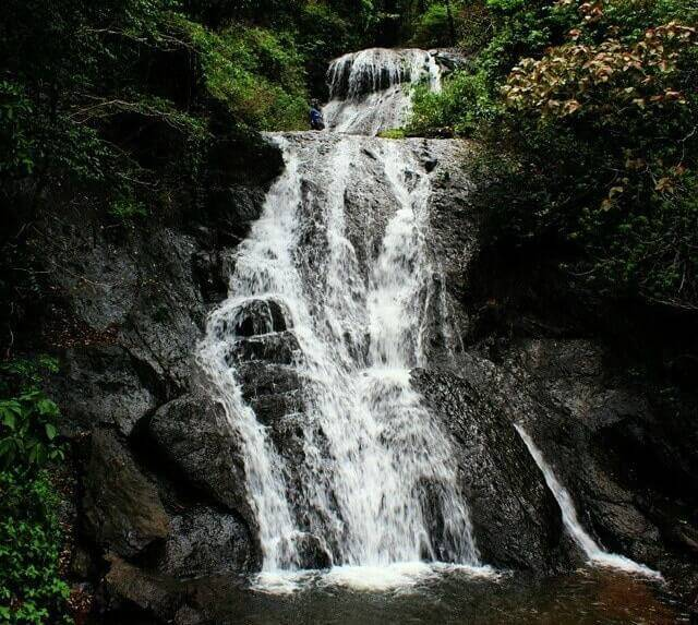 unexplored-places-goa_bamanudo_waterfalls_goa_image