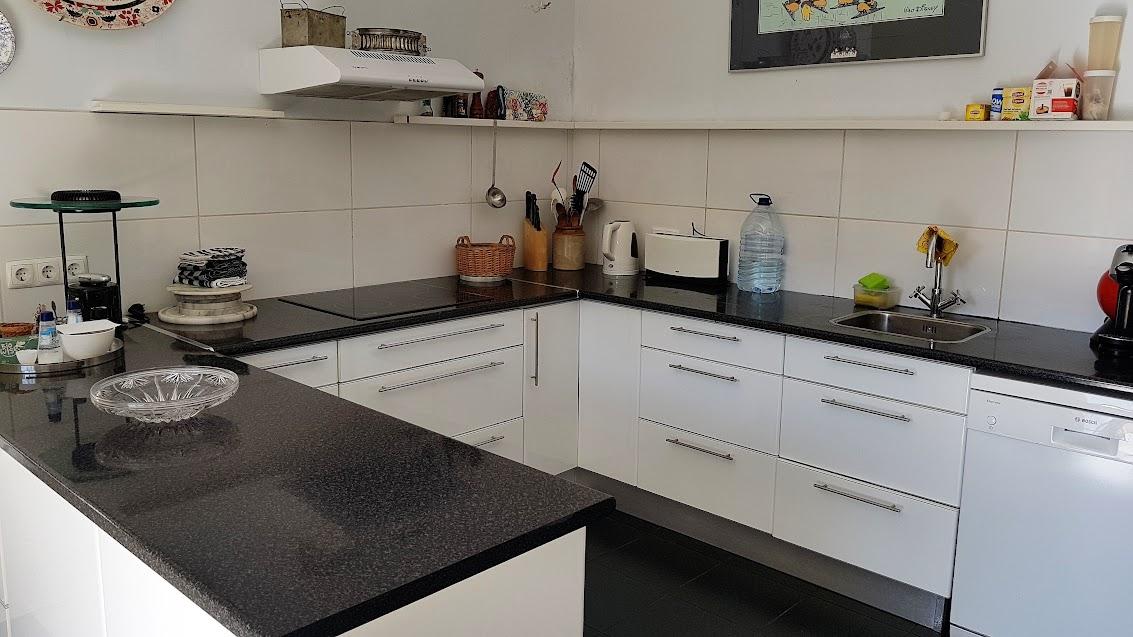 Viel Platz zum Arbeiten in der Küche